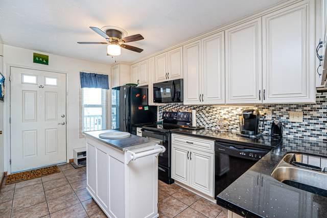 1111 Seacoast Dr #17, Imperial Beach, CA 91932 (#200046181) :: Tony J. Molina Real Estate