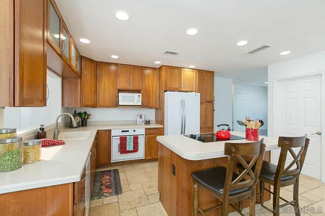 3052 Pecan Place, Escondido, CA 92027 (#200046869) :: Tony J. Molina Real Estate