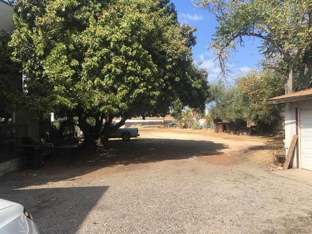 334 W Lincoln Ave, Escondido, CA 92026 (#200048758) :: Tony J. Molina Real Estate
