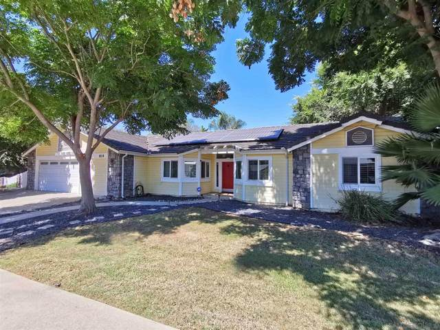 814 Birch Ave, Escondido, CA 92027 (#200049237) :: Team Forss Realty Group