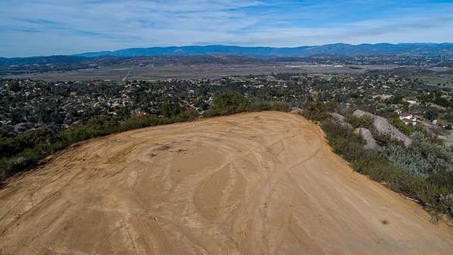 16308 Via Penasco ., Ramona, CA 92065 (#200049889) :: Solis Team Real Estate