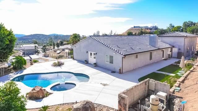 1852 Scenic View Pl, Alpine, CA 91901 (#200053019) :: Solis Team Real Estate