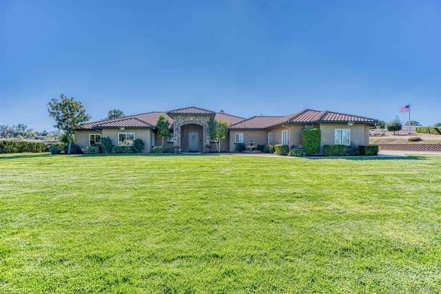 940 Heritage Ranch Rd, Ramona, CA 92065 (#210000758) :: Neuman & Neuman Real Estate Inc.