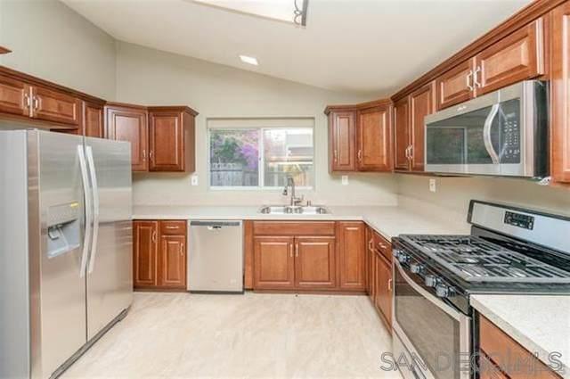 642 N Elm St, Escondido, CA 92025 (#210000840) :: Dannecker & Associates