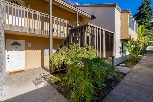 8541 Villa La Jolla Dr A, La Jolla, CA 92037 (#210001068) :: Team Sage