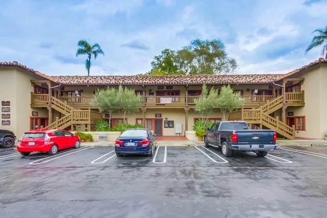 122-202 Civic Center Dr, Vista, CA 92084 (#210001078) :: Neuman & Neuman Real Estate Inc.
