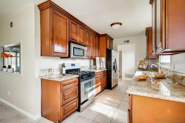 8906 Carlton Oaks Dr., Santee, CA 92071 (#210001110) :: PURE Real Estate Group