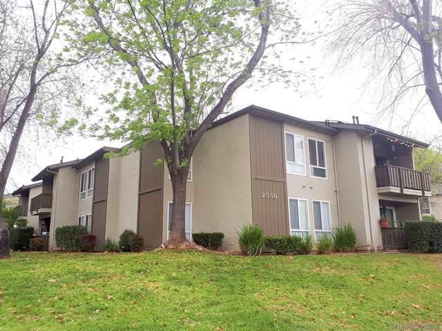 2550 White Oak Pl #3, Escondido, CA 92027 (#210001514) :: Neuman & Neuman Real Estate Inc.
