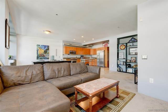 1551 4th #402, San Diego, CA 92101 (#210003848) :: Carrie Filla & Associates