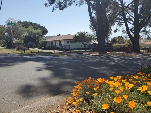 3229 Highland Dr, Carlsbad, CA 92008 (#210009428) :: Neuman & Neuman Real Estate Inc.