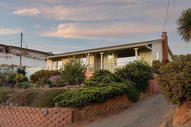 9444 Alto Dr, La Mesa, CA 91941 (#210015942) :: PURE Real Estate Group