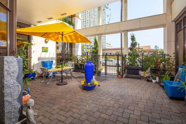 700 W Harbor Drive #104, San Diego, CA 92101 (#210020109) :: Dannecker & Associates