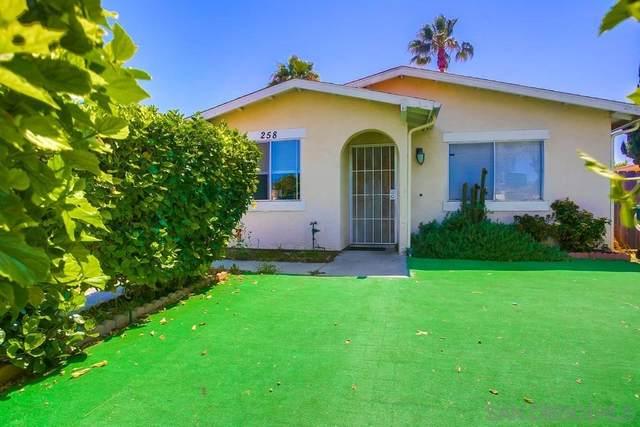 258 Fortunada St, Oceanside, CA 92057 (#210021169) :: Neuman & Neuman Real Estate Inc.