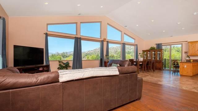 556 Hatfield Ln, Ramona, CA 92065 (#210028540) :: Rubino Real Estate