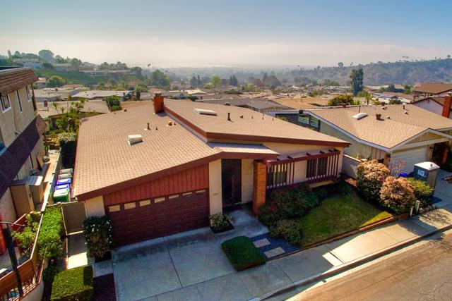 3187 Wayne Lane, San Diego, CA 92117 (#180006038) :: Douglas Elliman - Ruth Pugh Group