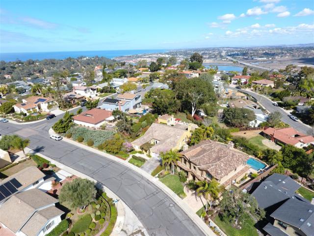 2498 Vantage Way, Del Mar, CA 92014 (#180012806) :: Ascent Real Estate, Inc.