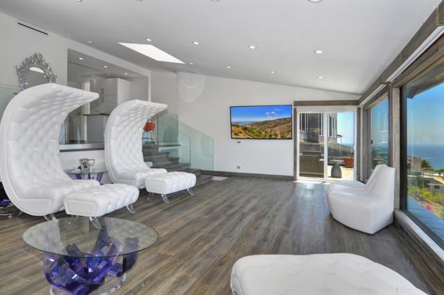 1730 Thurston, Laguna Beach, CA 92651 (#180031769) :: Whissel Realty