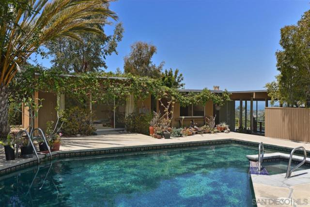 2767 Hidden Valley Rd, La Jolla, CA 92037 (#180037111) :: Whissel Realty
