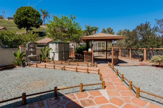 6882 Osterling, San Diego, CA 92114 (#180051497) :: Farland Realty