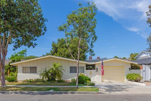 161 Alder, Coronado, CA 92118 (#180055910) :: The Yarbrough Group