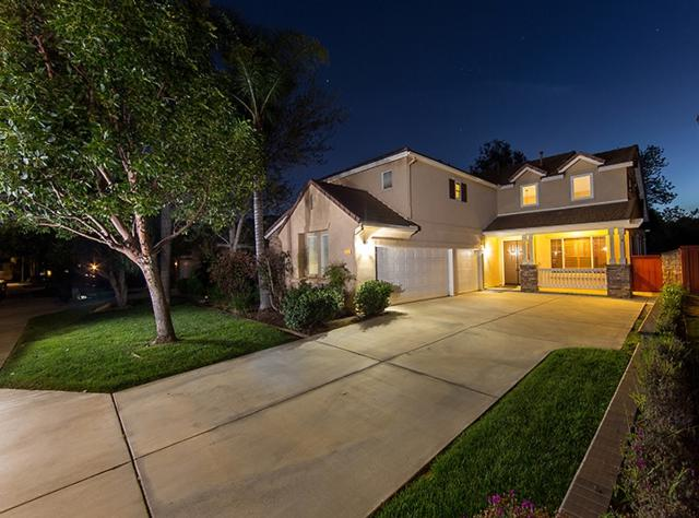 554 Chesterfield Cir, San Marcos, CA 92069 (#190021269) :: The Marelly Group | Compass