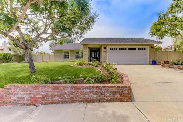 910 Passiflora Ave, Encinitas, CA 92024 (#200036318) :: The Stein Group