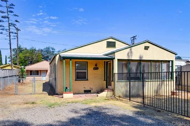 923 D St, Ramona, CA 92065 (#200043368) :: Tony J. Molina Real Estate