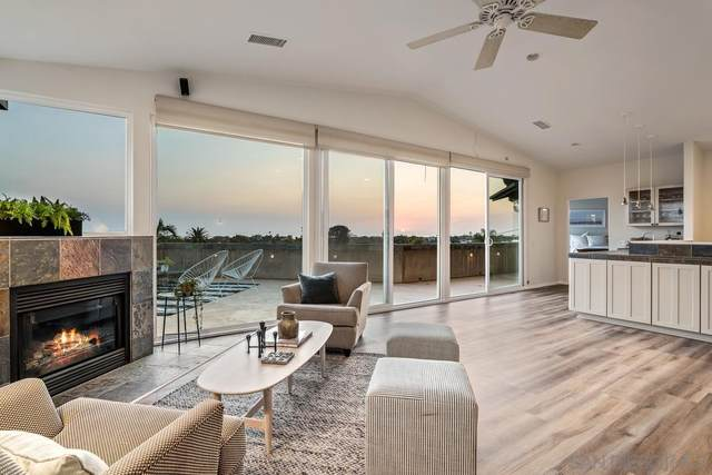 327 Leeann Lane, Encinitas, CA 92024 (#210020157) :: Solis Team Real Estate