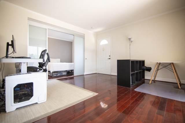 8581 Villa La Jolla Dr. M, La Jolla, CA 92037 (#200043292) :: Neuman & Neuman Real Estate Inc.