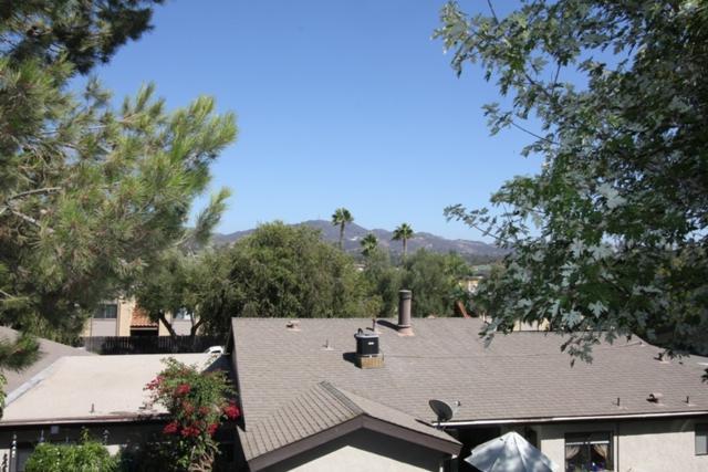 1405 Market Street, Vista, CA 92084 (#180052977) :: Keller Williams - Triolo Realty Group