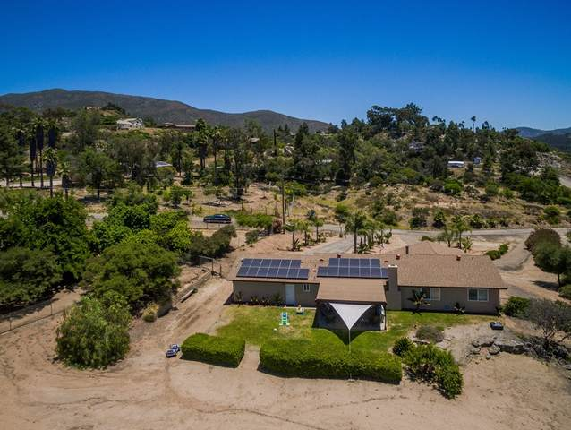 2833 Victoria Place, Alpine, CA 91901 (#200037289) :: Whissel Realty