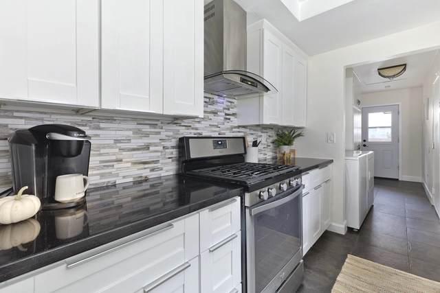 4103 Collwood Ln, San Diego, CA 92115 (#200046519) :: Tony J. Molina Real Estate