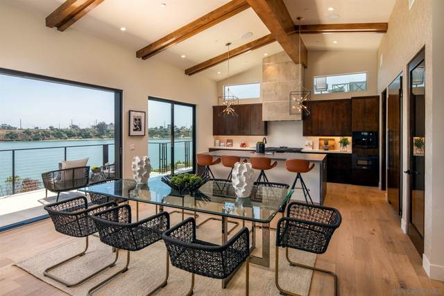 4469 Adams St, Carlsbad, CA 92008 (#210009413) :: SunLux Real Estate