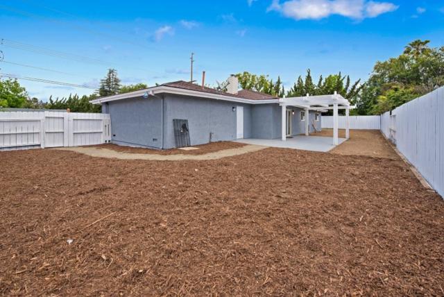 2131 Avenida Del Diablo, Escondido, CA 92029 (#180027598) :: The Yarbrough Group