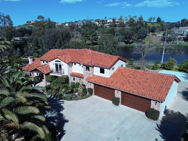 4560 Lake Sycamore Dr, Fallbrook, CA 92028 (#180062131) :: Neuman & Neuman Real Estate Inc.