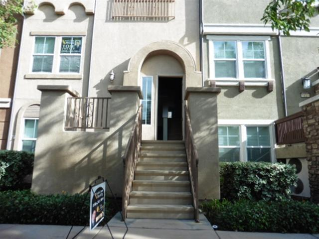 9812 Old Tree Ln, Santee, CA 92071 (#180065785) :: Keller Williams - Triolo Realty Group