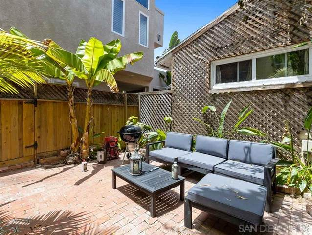 453 Westbourne Street, La Jolla, CA 92037 (#200034120) :: Neuman & Neuman Real Estate Inc.