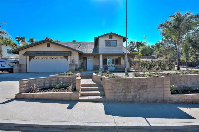 2624 Buenos Tiempos, Fallbrook, CA 92028 (#180044075) :: The Yarbrough Group