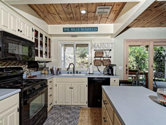 9227 Westhill Rd., Lakeside, CA 92040 (#180040181) :: Whissel Realty