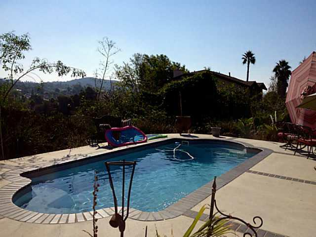 251 Sunrise Circle, Vista, CA 92084 (#120052615) :: The Marelly Group | Realty One Group
