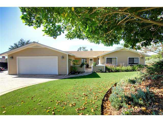 1691 Peppertree Place, Fallbrook, CA 92028 (#120055374) :: The Marelly Group | Realty One Group