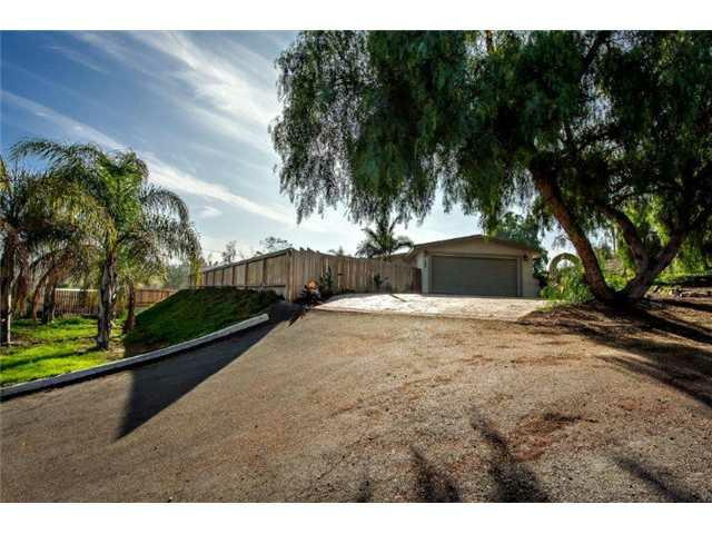 2213 Primrose Avenue, Vista, CA 92083 (#120059970) :: The Marelly Group | Realty One Group