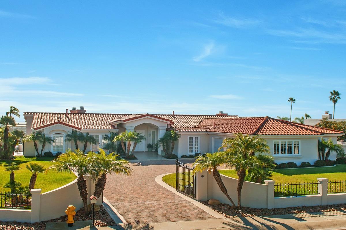 2247 Via Fresa, La Jolla, CA 92037 (#170007010) :: Coldwell Banker Residential Brokerage