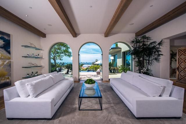 8350 Calle Del Cielo, La Jolla, CA 92037 (#170032173) :: Coldwell Banker Residential Brokerage