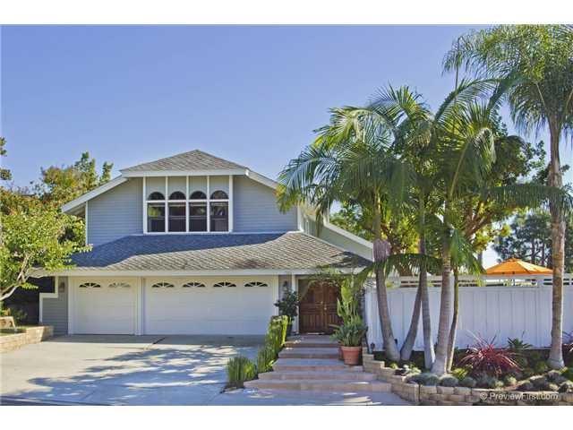 7320 Esfera, Carlsbad, CA 92009 (#170033576) :: The Houston Team | Coastal Premier Properties