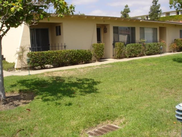3839 Vista Campana South #13, Oceanside, CA 92057 (#170049209) :: Carrington Real Estate Services
