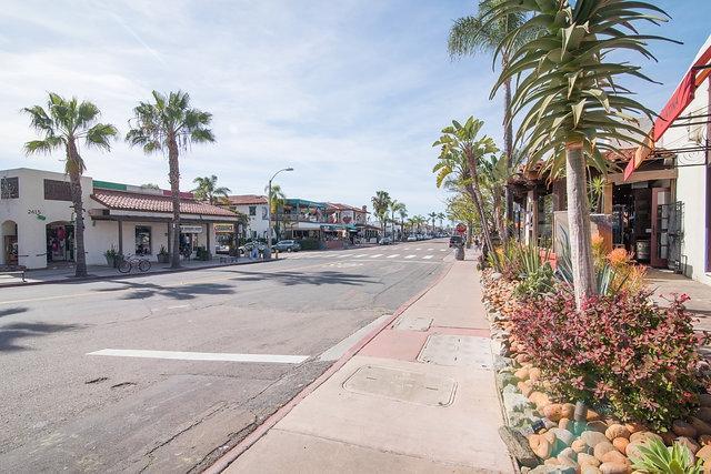 2428 Linwood St, San Diego, CA 92110 (#170049490) :: Coldwell Banker Residential Brokerage