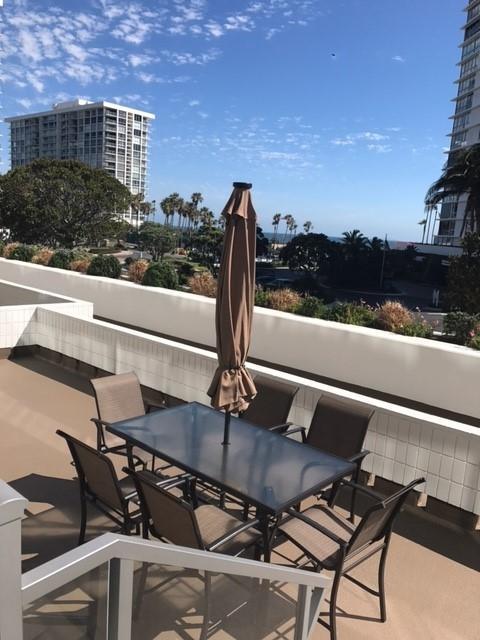 1770 Avenida Del Mundo #101, Coronado, CA 92118 (#170053275) :: Neuman & Neuman Real Estate Inc.