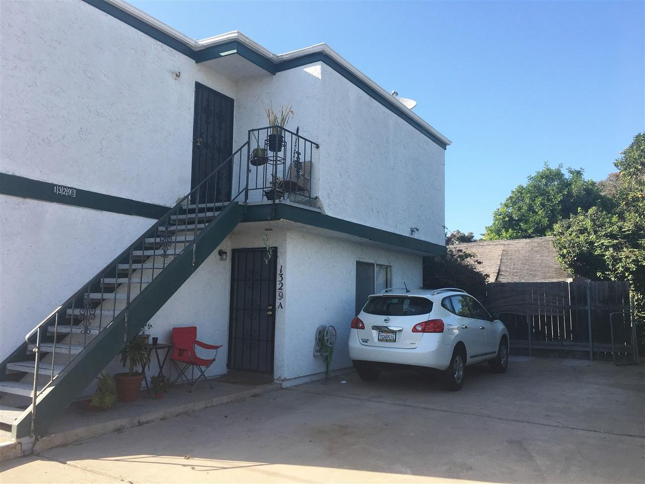 1327 Hornblend, San Diego, CA 92109 (#170054052) :: The Yarbrough Group