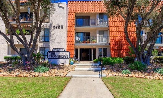 6780 Friars Rd #202, San Diego, CA 92108 (#170054091) :: Neuman & Neuman Real Estate Inc.